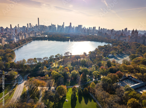Tuinposter New York New York panorama from Central park, aerial view