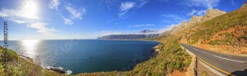 Obraz na plátně  Panoramaaufnahme von der Küstenstraße vom Kap der guten Hoffnung in Richtung Kap