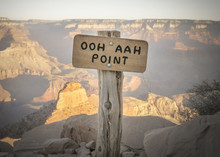 Ooh Aah Point Sign At The South Kaibab Hiking Trail In Grand Can