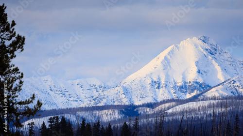 Valokuva  Glacier National Park Winter Peaks