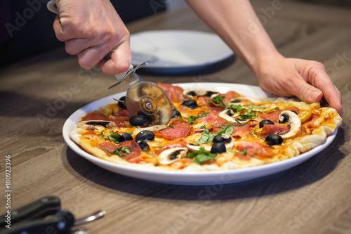 Pizza Pizza Vom Grill Grillpizza Selbstgemacht Hausgemacht Buy