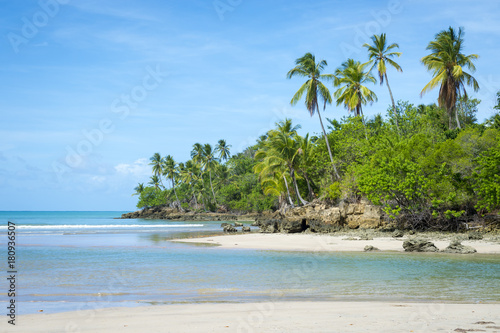 Keuken foto achterwand Tropical strand Tropical deserted beach on the coast of a remote island in Bahia, Brazil