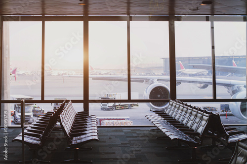 Poster Airport airport modern interior with big windows