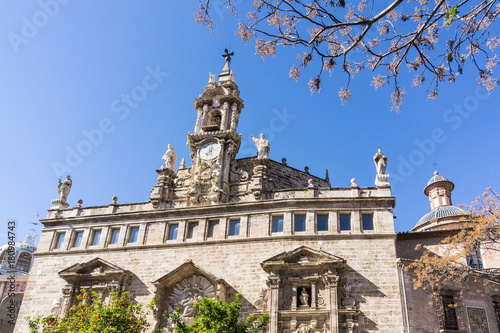 Fotobehang Street view of church landmarks of Valencia, Spain