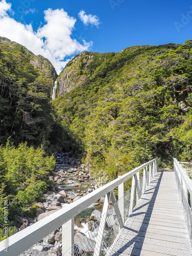 Staande foto Oceanië Devils Punchbowl Waterfall at the Arthur's Pass National Park. (New Zealand)