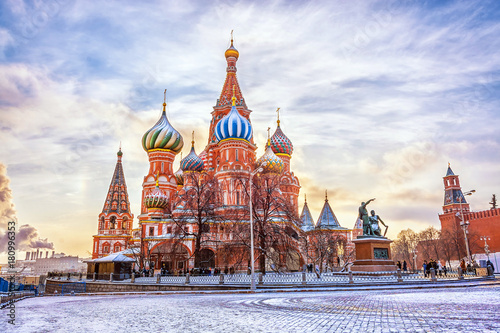 Foto op Canvas Moskou Saint Basil's Cathedral in Red Square in winter at sunset, Moscow, Russia.