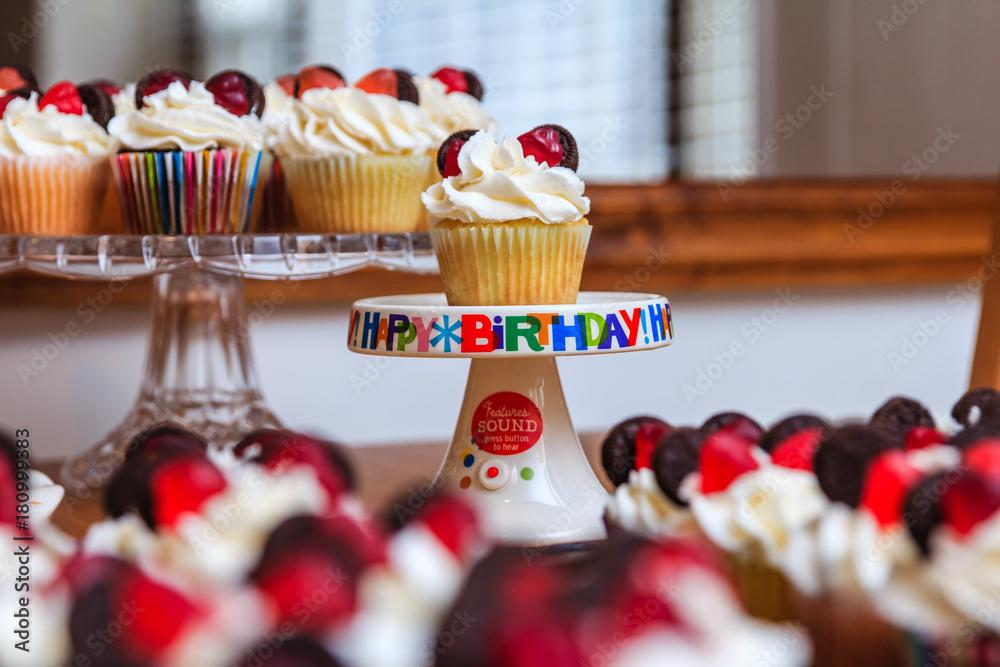 Cupcakes Minni Maus Alles Gute zum Geburtstag Poster, Plakat | 3+1 ...