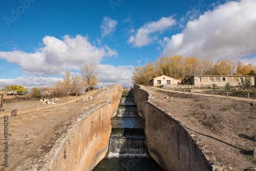 Foto op Plexiglas Kanaal Canal de Castilla, famous Landmark in Fromista, Palencia, Castilla y Leon, Spain.