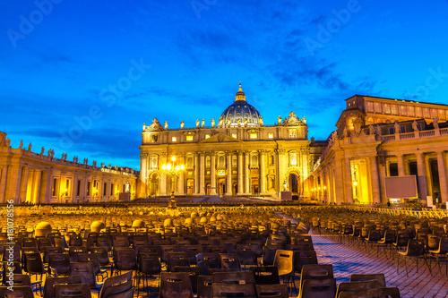 Zdjęcie XXL Watykan nocą