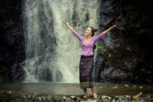 Laos Woman Wearing Laos Tradit...