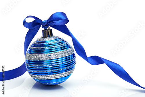 Fotografie, Obraz  Blue Christmas ball with ribbon bow on white background