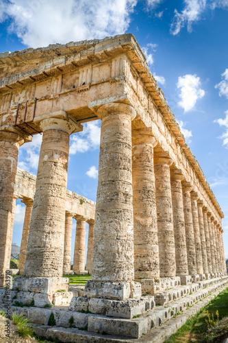 Fotografie, Obraz  Segeste temple, Sicily, Italy