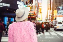 Fashionable Tourist Woman Visi...