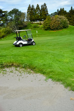 New Zealand Golf Course With S...