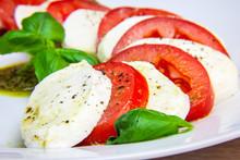 Healthy Classic Caprese Salad