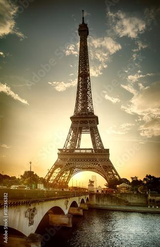 Obraz View on Eiffel Tower - fototapety do salonu