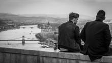 Budapest, Sitzende Personen, W...