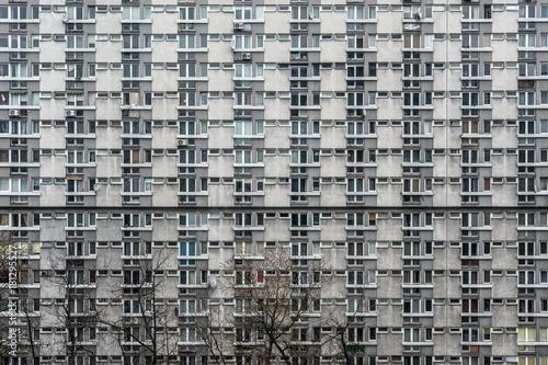 Obraz socrealistyczny blok mieszkalny - fototapety do salonu