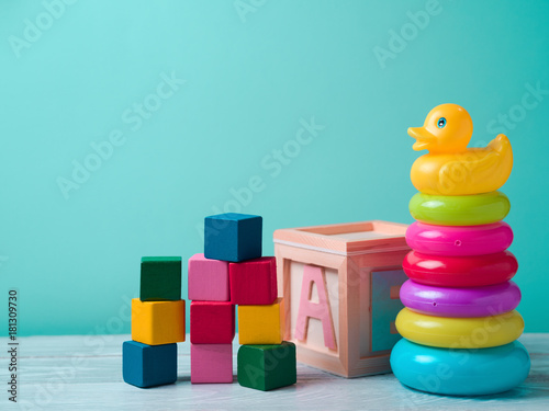 Obraz Baby toys on wooden table - fototapety do salonu