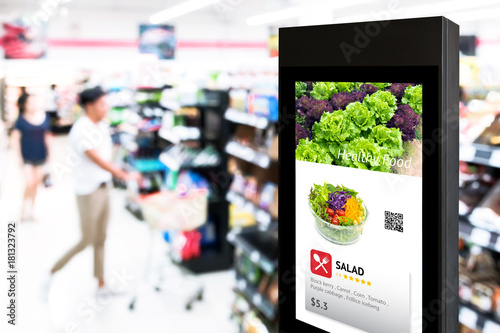 Pinturas sobre lienzo  Intelligent Digital Signage , Augmented reality marketing and face recognition concept