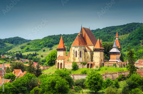Foto op Plexiglas Monument Spectacular Transylvanian touristic village with saxon fortified church, Biertan, Romania