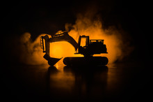 Silhouette Tracked Excavator O...