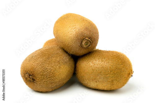 Obraz na płótnie A bunch of ripe kiwi fruit on white