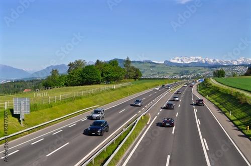Fotografía  A3 - Autobahn mehrspurig zwischen Zürich und Chur