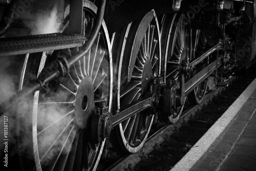 Fotografia Train wheel