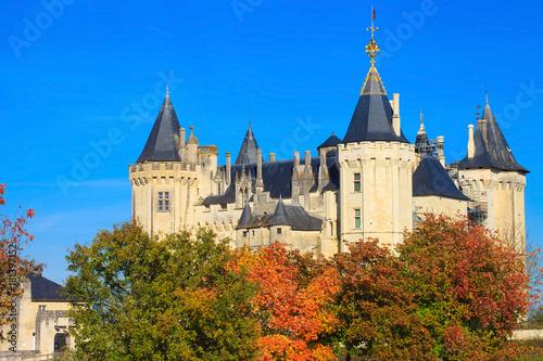 Papiers peints Con. ancienne Le château de Saumur en automne