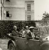FOTO ANTICA CON SIGNORE ED AUTISTA A BORDO DI AUTO D'EPOCA  - 181401134