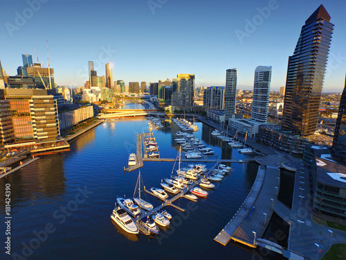 In de dag Luchtfoto Aerial View of Melbourne over Yarra River