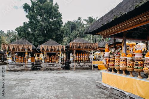 Plakat Pura Tirta Empul. Świątynia w Bali, Indonezja