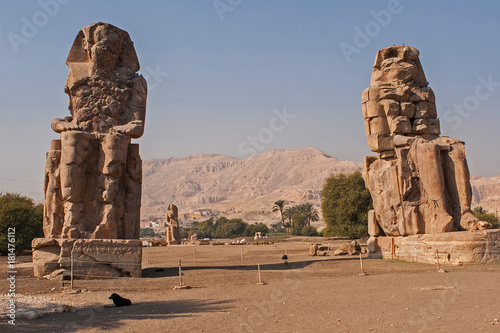 Photo Stands Egypt Colossi of Memnon, Luxor, Thebes