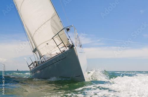 Tuinposter Zeilen Sailing Boat Yacht