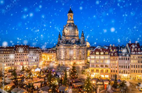Fotografiet Advent auf dem Neumarkt in Dresden