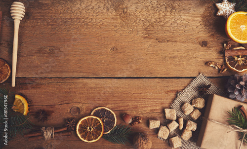 Photo Stands Ship Ingredients for mulled wine on wooden board