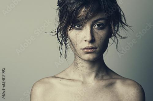 ragazza guerra lacrime 12