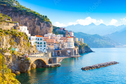 Papel de parede Morning view of Amalfi cityscape on coast line of mediterranean sea, Italy