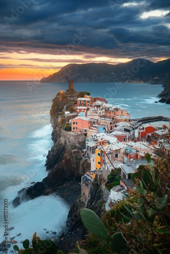 Fototapety, obrazy: Vernazza sunset in Cinque Terre