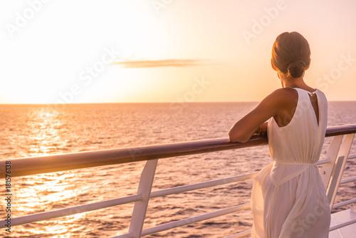 Fotografia  Cruise ship luxury travel holiday destination woman on Europe summer vacation