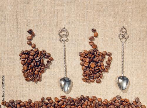 filizanki-do-kawy-antyczne-lyzki-i-posciel-tlo-dekoracyjne