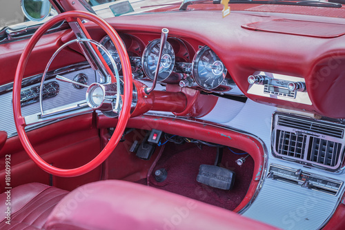 Photo Thunderbird interior