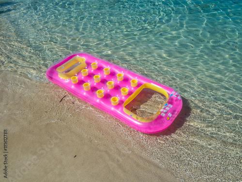 Fotografie, Obraz  Luftmatratze am Strand Mittelmeer