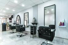 Modern Bright Beauty Salon. Ha...