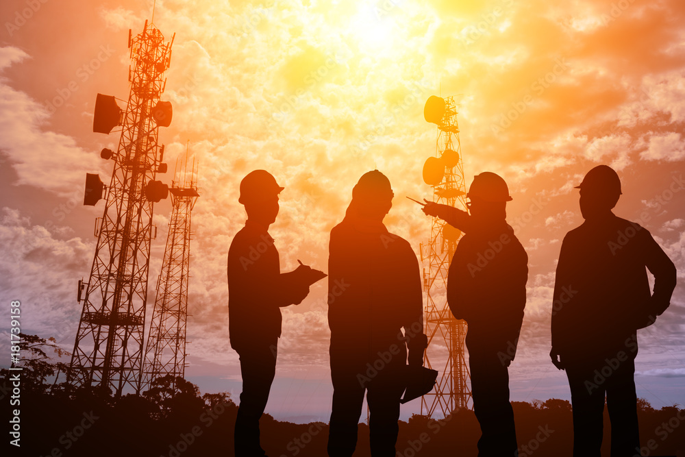 Fototapety, obrazy: Silhouette Teams engineer looking Telecommunication mast television antennas on sunlight