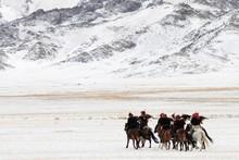 Mongolian Horse Riders Dash Be...