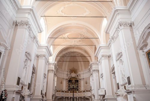 Fotografie, Obraz  Interno di chiesa cattolica