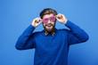 Leinwanddruck Bild - Cheerful man with sunglasses having a fun