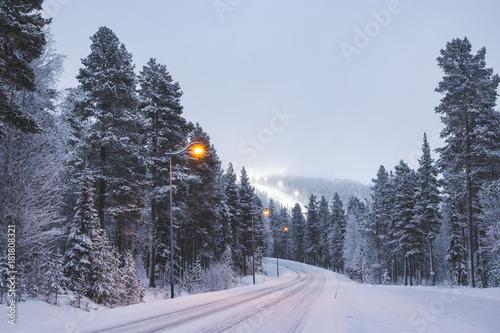Zdjęcie XXL Snowy górska droga